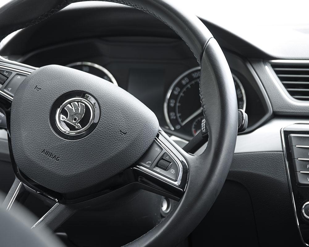 Alquiler de coches con chófer en Denia